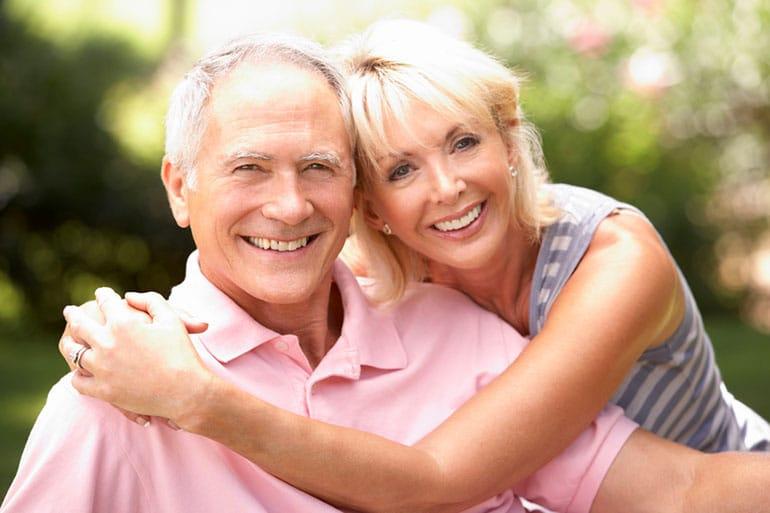 Chronic Pain Memphis TN Elderly Couple Smiling